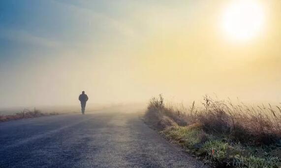 你熬过的苦,都是你曾走过的路